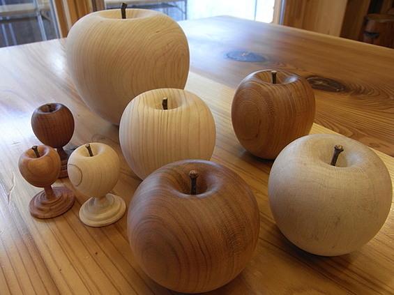 つるっつるの木のリンゴ